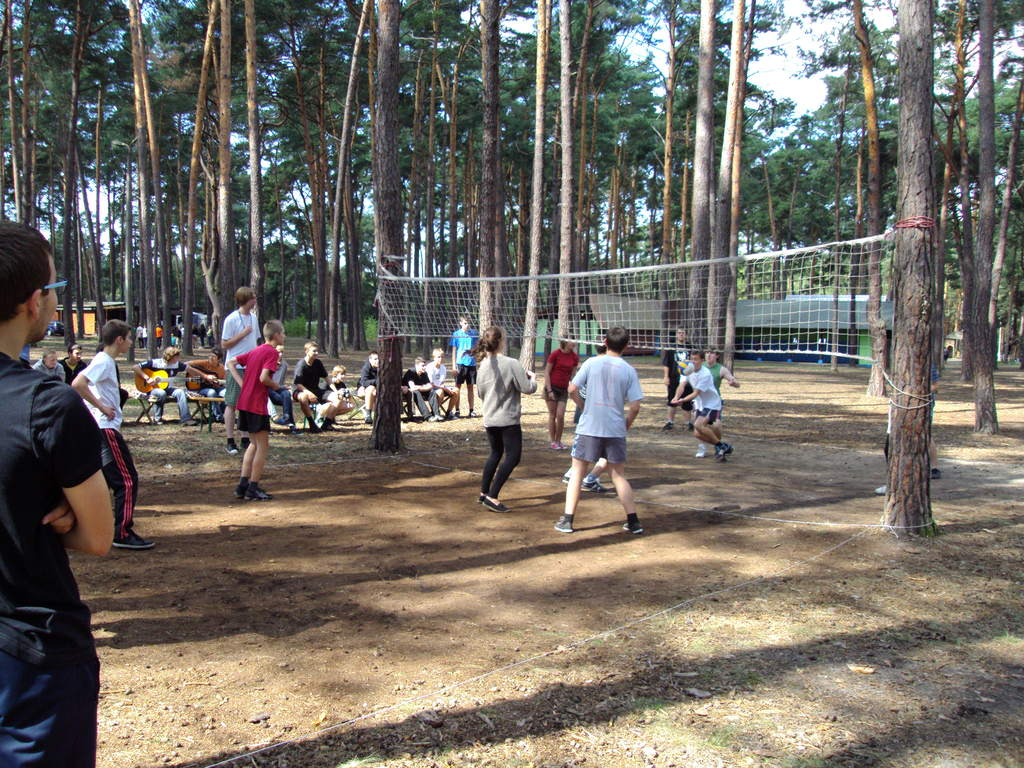 Obóz dla nowego naboru (2012) - gra w siatkówkę