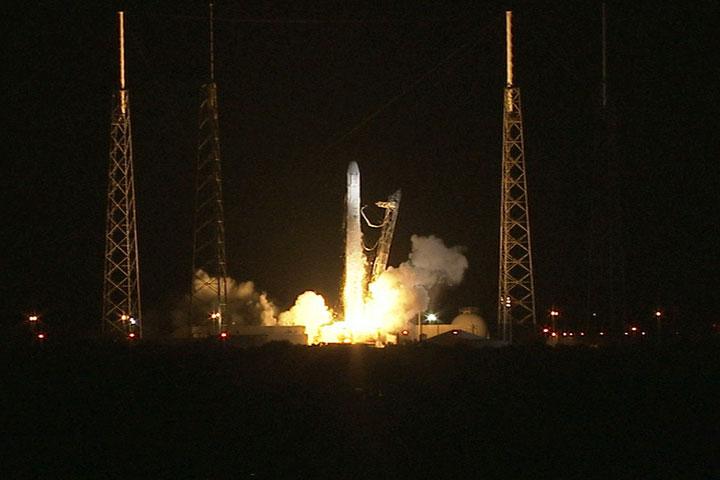 Dragon CRS-1 rozpoczyna lot