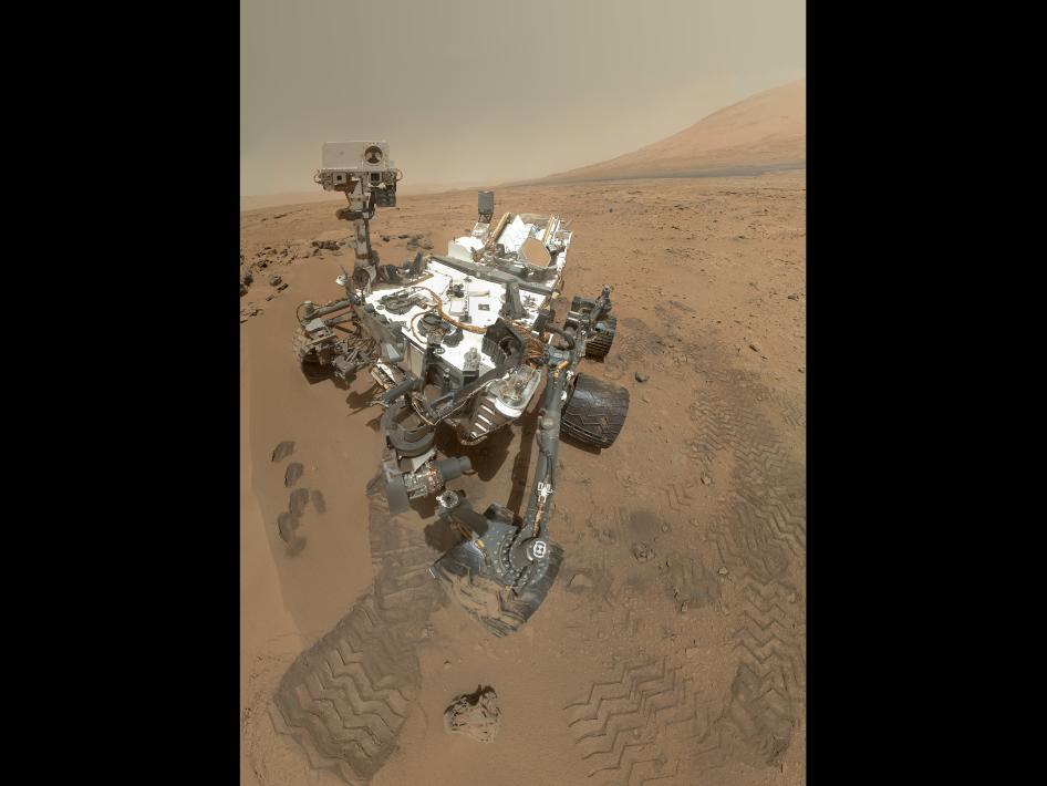 Curiosity - zdjęcie z kamery na wysięgniku