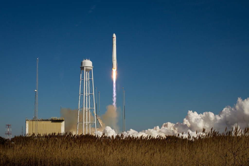Start rakiety Antares
