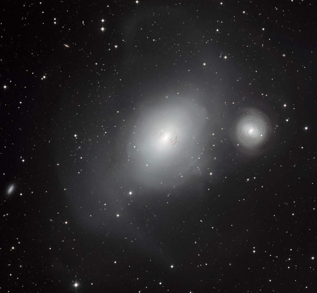 Galaktyki NGC 1316 i NGC 1317