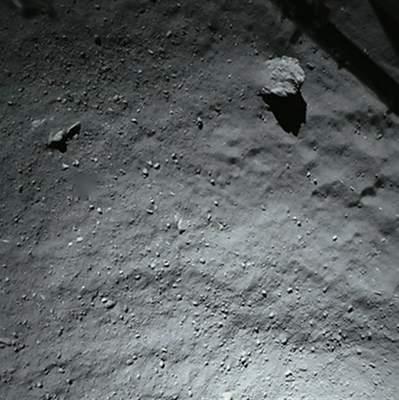 ROLIS fotografuje powierzchnię komety z 40 m