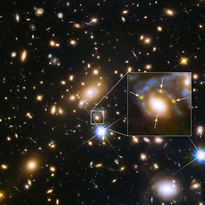 Soczewkowana supernowa - Krzyż Einsteina