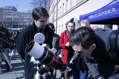 Autor z teleskopem słonecznym.