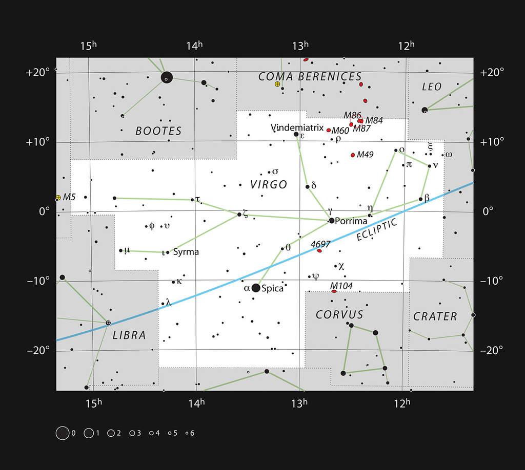Mapka pokazuje położenie olbrzymiej galaktyki M87 w gwiazdozbiorze Panny. Oprócz tego na mapce ukazano większość gwiazd możliwych do zaobserwowania gołym okiem.