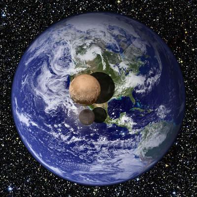 Pluton i Charon na tle Ziemi