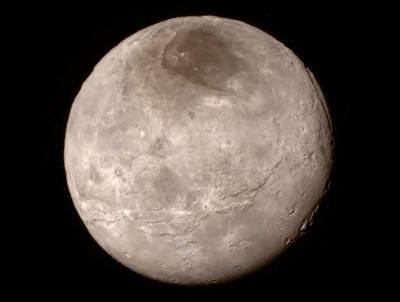 Charon z bliska