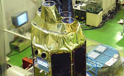 Część satelity Suzaku przedstartem