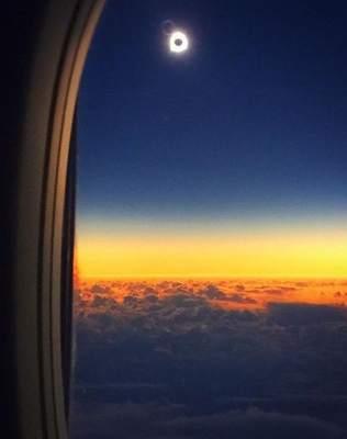 Zaćmienie Słońca z pokładu samolotu