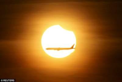 Zaćmienie Słońca w Singapurze 9.03.2016