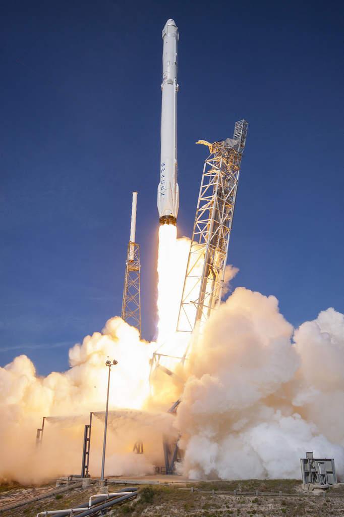 Falcon 9 w trakcie startu